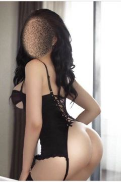 Sexy Beirut girl Sandra is ready for sex